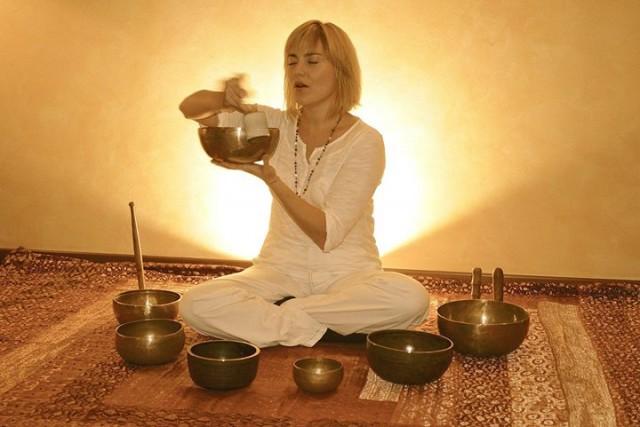 presentazione-gratuita-del-seminario-la-terapia-dei-mantra-e-delle-vibrazioni-sonore-con-thea-crudi-00207545-001