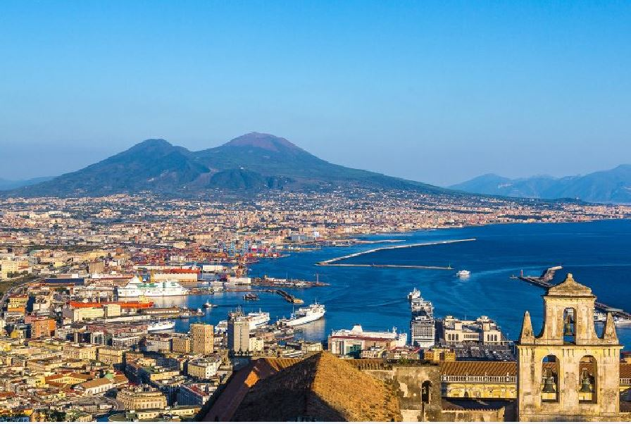 Un amore erotico con la città di Napoli · NaturaGiusta - Essere in  Evoluzione